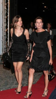 Charlotte Casiraghi of Monaco with her mother Princess Caroline of Hanover Charlotte Casiraghi, Andrea Casiraghi, Albert Von Monaco, Patricia Kelly, Beatrice Borromeo, Princess Grace Kelly, Monaco Royal Family, Royal Princess, Royal Fashion