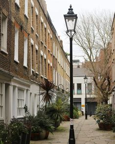London Mews - The Weekend Guide :: Pretty Places in London