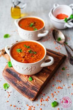 Dhal soup - indyjska zupa dhal z pomidorami i soczewicą Raw Food Recipes, Indian Food Recipes, Soup Recipes, Diet Recipes, Cooking Recipes, Food Gallery, Soup And Salad, Food Inspiration, Love Food