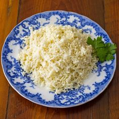 Cauliflower Rice recipe is a simple and versatile side dish. It is the savior of saucy Paleo recipes everywhere! Like her way of cooking it in butter. Best Gluten Free Recipes, Paleo Recipes, Real Food Recipes, Cooking Recipes, Yummy Food, Cauliflower Recipes, Cauliflower Rice, Rice Recipes, Vegetable Recipes