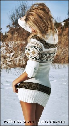 Nordic print sweater dress, loveeeeeeeeeee this. i need a sweater dress like this Look Fashion, Fashion Beauty, Fashion 2018, Fashion Brands, Kleidung Design, Cute Sweaters, Winter Sweaters, Mode Outfits, Fashion Outfits