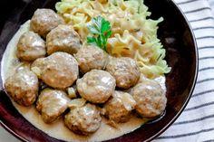 Easy Slow Cooker Swedish Meatballs Crock Pot Slow Cooker, Crock Pot Cooking, Slow Cooker Recipes, Crockpot Recipes, Side Dish Recipes, Meat Recipes, Appetizer Recipes, Cooking Recipes, Hamburger Recipes