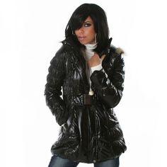 Doudoune brillante noir avec capuche fourrure et ceinture http://www.boutiquedestendances.com/fr/vetement-femme-gilet-manteau/443-doudoune-longue-brillante-noir-et-capuche-fourrure-femme-pas-cher.html