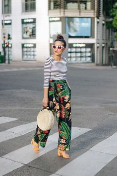 Simple Fashion Tips That Can Overhaul Your Whole Look – Fashion Trends Fashion Blogger Style, Fashion Stylist, Look Fashion, Fashion Outfits, Womens Fashion, Fashion Trends, Fashion Ideas, Street Fashion, Casual Outfits