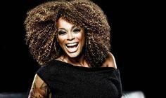 """Dia 12 de setembro, às 13h, o Santana Parque Shopping recebe a cantora Paula Lima pelo Projeto MPB Café. A entrada é Catraca Livre. """"Menina dos olhos"""" de Jorge Benjor e considerada uma das gratas surpresas da música popular brasileira, Paula Lima é reverenciada por sua voz, presença de palco e originalidade. A cantora vai...<br /><a class=""""more-link"""" href=""""https://catracalivre.com.br/geral/agenda/barato/paula-lima-e-a-convidade-do-projeto-mpb-cafe-em-santana/"""">Continue lendo »</a>"""