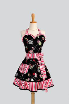 Womens Sweetheart Apron / Cute Tea for Two Fabric by CreativeChics, $38.00