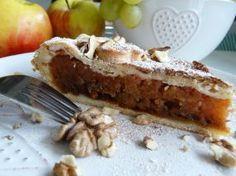 Jablkový koláč s karamelom a orechami