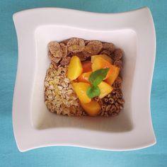Good food for good day #gastrookno #breakfast #healthy #fit #diet #milk #peach #honey #flakes #oatmeal #bran #yummy #fitfood #brzoskwinia #otręby #płatki #owsiane #miód #mleko #instafood #morning #foodporn #śniadanie #natarasie