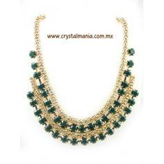 Collar en base dorada con detalle en color verde estilo 30423