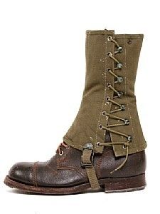 Boot Spats - my Dad had a (similar) pair from 1945 Mode Steampunk, Steampunk Fashion, Steampunk Spats, Color Militar, Navy Blue Boots, Apocalyptic Fashion, Shoe Boots, Shoe Bag, Recycled Fashion