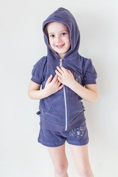 Hoodies, Summer, Sweaters, Fashion, Moda, Sweatshirts, Summer Time, Fashion Styles, Parka