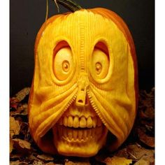 Check Out 80 Cool Halloween Pumpkin Carving Ideas. A decorative pumpkin is one the main symbols of this day and that's why almost every house is usually filled by various interesting pumpkins every Halloween. Diy Halloween, Halloween Pumpkin Designs, Halloween Pumpkins, Happy Halloween, Halloween 2018, Skull Pumpkin, Pumpkin Art, Pumpkin Faces, Pumpkin Ideas