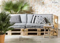 Tuinbank van pallets - Maison Belle - Interieuradvies Pallet Bank, Pallet Lounge, Lounge Sofa, Modular Furniture, Diy Pallet Furniture, Diy Bedroom Decor, Diy Home Decor, Co Housing, Interior Design Advice