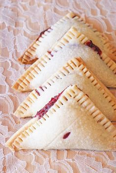 Sarah Bakes Gluten Free Treats: gluten free vegan raspberry hand pies
