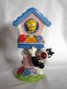 Warner Bros Sylvester and Tweety Bird House Salt & Pepper Shakers