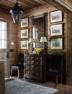 Rustic entryway with mirror 6 prints, 3 on each side Rustic Chic, Rustic Decor, Rustic Entryway, Ivy House, Cabins And Cottages, Cool Ideas, Rustic Design, Log Homes, My Dream Home