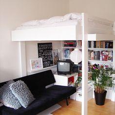 Y, door Neo-Eko Dutch Design.Y, door Neo-Eko Dutch Design. Small Space Living, Small Rooms, Small Apartments, Small Teen Room, Build A Loft Bed, Loft Bed Plans, Loft Bed With Couch, Diy Furniture Plans, Furniture Design