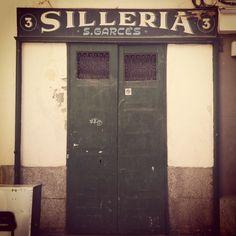 C/ Mediodía Grande, Madrid #signpainting #typography #lettering #rotulacion