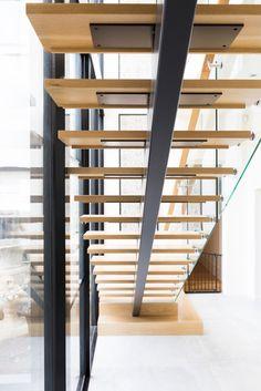 wood stairs would love to replace my stairs with these! wood stairs would love to replace my stairs with these! Stairs Window, Glass Stairs, Metal Stairs, Loft Stairs, Modern Stairs, Floating Stairs, House Stairs, Glass Railing, Basement Stairs