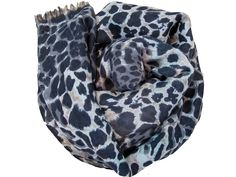 Foulard con estampado leopardo. Tonos en gris, negro, beige.