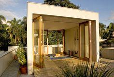 sun-filled yoga room | chu e kato