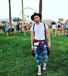Ideas For Music Festival Men Fashion Coachella Cochella Outfits, Coachella Outfit Men, Rave Outfits Men, Coachella Looks, Stylish Mens Outfits, Coachella Men Fashion, Festival Looks, Festival Mode, Festival Gear