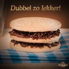 Genieten geblazen: Mariakoekjes, een beetje boter en wat hagelslag naar keuze.  #deruijter #hagelslag #chocolatesprinkles
