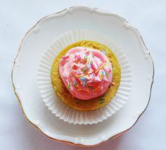 Farebný vanilkový fitness mugcake. Fit koláčiky zo šálky.