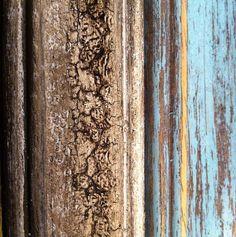 Med Milk Paint är det lätt att skapa olika effekter. Vill ni lära er? Skicka ett mail till info@skattkammarbutiken.se så får ni info om nästa workshop #måla#skattkammarbutiken#missmustardseedsmilkpaint#återbruka#genbrug#vintage#interiör#lovemmsmp#kalkfärg#shabbychic#målaom#inredning#mjölkfärg#interiör#inredning#vintagehome#lantligt#countryhome#doityourself#diy#roomforinspo#brocantechic#inspiration#rusty#instainspiration#antiquechic#frenchcountry#workshop #effect #kalkfärg #krackelering…