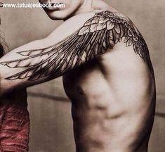 tatuaje ala en hombro... también me está convenciendo