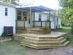 Looking to find porch ideas for a mobile home? A garden porch gives a wonderful and comfortable living space all over the summertime – possibly even into winter… Mobile Home Steps, Mobile Home Deck, Mobile Home Living, Mobile House, Front Porch Design, Patio Design, Porch Designs, Diy Porch, Porch Ideas