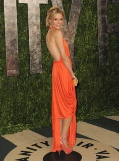 A fresh, new idea from the Vanity Fair Red Carpet: an orange gown! I'm so obsessed with this color for #prom. XOXO, Aya