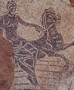 Vasto, terme di Histonium, pavimento musivo, Nereidi a cavallo (foto di Lattanzi G., tratta da Il mosaico di Nettuno, dalle terme dell'antica Vasto riemerge il signore dei mari, in Meraviglie sconosciute d'Abruzzo, vol. V, Carsa edizioni, Pescara 2006, p.80)