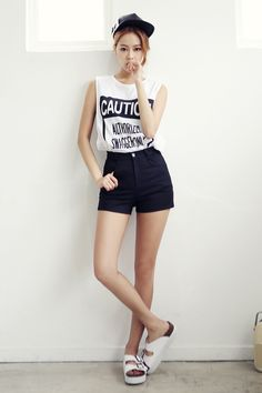 Girl's Unique Style : http://www.itsmestyle.com/
