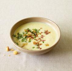 Speck und knusprige Croûtons geben der Kartoffelsuppe den besonderen Pfiff.