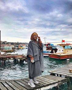 For some reason, it seems like I can& breathe in a place without the sea. Modest Fashion Hijab, Modern Hijab Fashion, Casual Hijab Outfit, Hijab Fashion Inspiration, Muslim Fashion, Hijab Elegante, Hijab Chic, Fashion Days, Fashion Outfits
