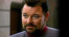 "Jonathan Frakes Says the Enterprise Finale is an ""Unpleasant Memory"" – TREKNEWS.NET"