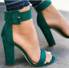 The hottest High Heels, Pumps, Wedges, Lace Ups & Stilettos on Earth: 🔥 on 👠 Prom Shoes, Women's Shoes, Me Too Shoes, Shoe Boots, Frauen In High Heels, Cute Heels, Luxury Shoes, Types Of Shoes, Womens High Heels