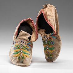 Santee Sioux Beaded Hide Moccasins (4/04/2014 - American Indian Art: Live Salesroom Auction)