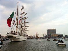 Voor het eerst op Sail op een voormalige patrouilleboot; gemoedelijke chaos...