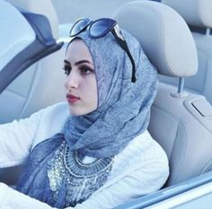 tribal necklace with hijab, How to wear statement necklace with hijab http://www.justtrendygirls.com/how-to-wear-statement-necklace-with-hijab/