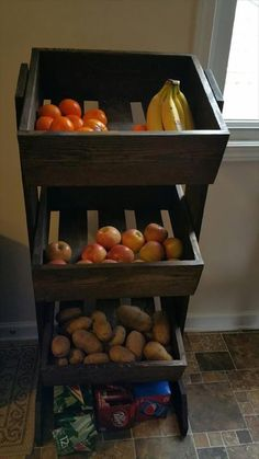 Wood Pallet Projects - Pallet Fruit and Vegetable Organizer – 150 Wonderful Pallet Furniture Ideas Diy Pallet Projects, Pallet Ideas, Furniture Projects, Kitchen Furniture, Wood Projects, Home Furniture, Furniture Design, Furniture Stores, Furniture Buyers