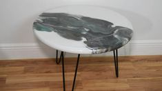 How to Make an Epoxy Resin Tabletop - DIY decor - How to Make an Epoxy Resin Tabletop : 8 Steps (with Pictures) – Instructables - Diy Epoxy Resin Table Top, Epoxy Resin Wood, Resin Art, Round Wood Table, Round Table Top, Round Tables, Diy Table Top, Diy Coffee Table, Tabletop