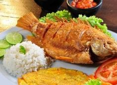 i like fihs fried Whole Red Snapper Recipes, Whole Fish Recipes, Fried Fish Recipes, Seafood Recipes, Cooking Recipes, Healthy Recipes, Haitian Food Recipes, Mexican Food Recipes, Fritas Recipe
