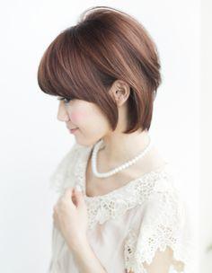 大人、ミセスのボリュームショートヘア(YR-417) | ヘアカタログ・髪型・ヘアスタイル|AFLOAT(アフロート)表参道・銀座・名古屋の美容室・美容院