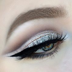 cool-toned cream + taupe cut crease with glitter on the lid | eye makeup @jayblissy