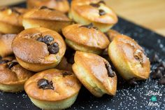 Low Syn Mini Banana Cakes with Chocolate Chips Super Healthy Recipes, Healthy Treats, Real Food Recipes, Cooking Recipes, Free Recipes, Healthy Food, Healthy Eating, Slimming World Cake, Slimming World Desserts