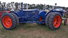 Another FORDSON Twin-Motor Tractor, but this one's just a little bit different than the others I've seen. Can you tell why???
