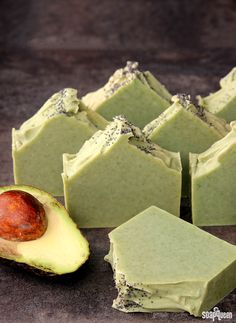 Adding Fresh Puree to Hot Process Soap | Avocado + Spearmint Cold Process Soap Tutorial - Soap Queen