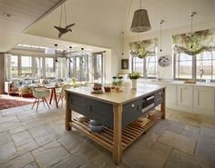 Orford-Kitchen-1024x803.jpg (1024×803) https://www.homify.com.br/projetos/117135/orford-a-classic-country-kitchen-with-coastal-inspiration